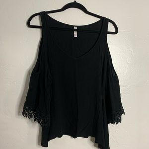 BLACK LACE SLEEVE BLOUSE WITH CUT OUT SHOULDER